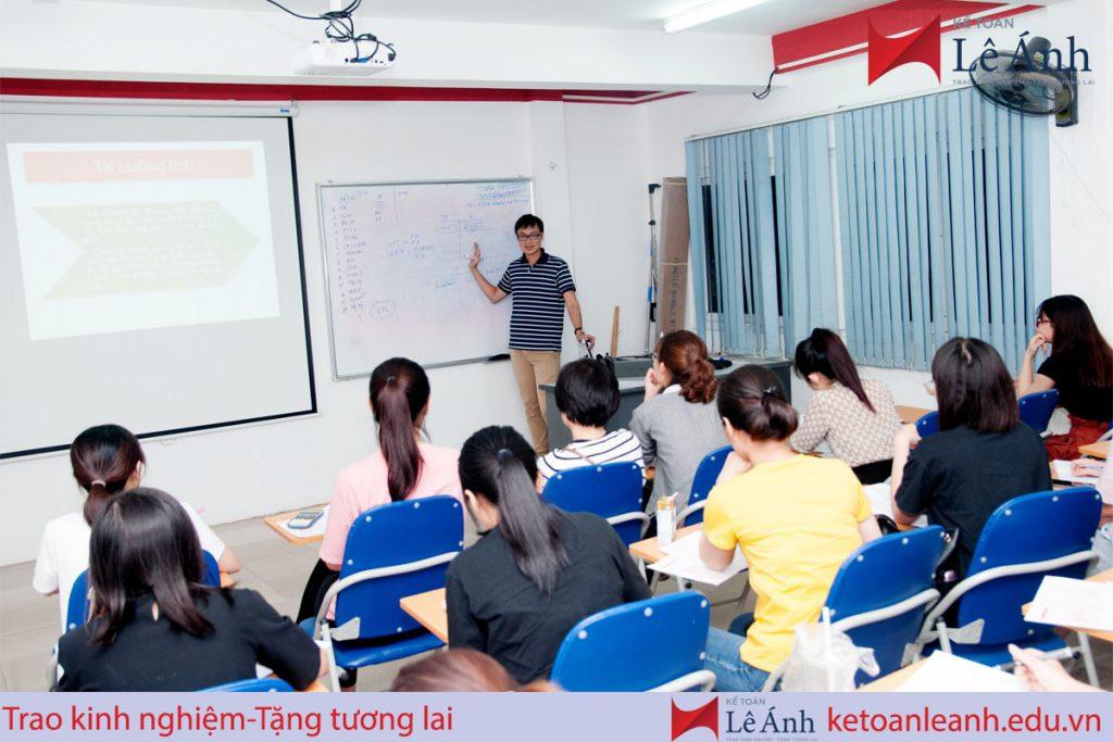Lớp kế toán tổng hợp thực hành tại Trung tâm kế toán Lê Ánh